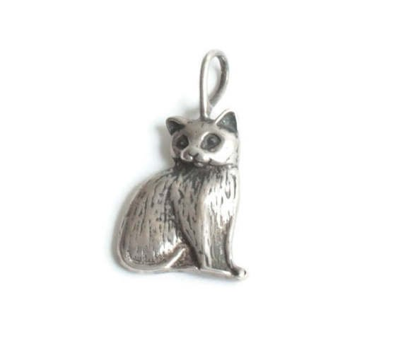 Sterling Silver Cat Charm or Pendant Sitting Detailed Charm for Bracelet #Vintage #pastsplendors<br>http://pic.twitter.com/ir9RR7wyPq