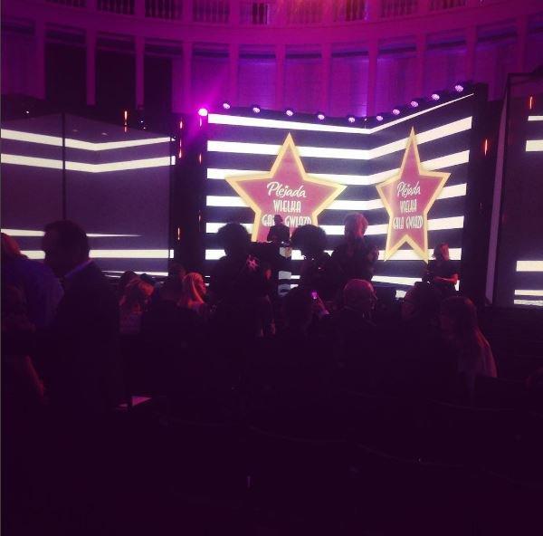 Jeszcze chwila, jeszcze moment Ruszamy o 20:00!  #WGGP #Plejada #GalaPlejady #Plejadaplpic.twitter.com/8irXtNW76u