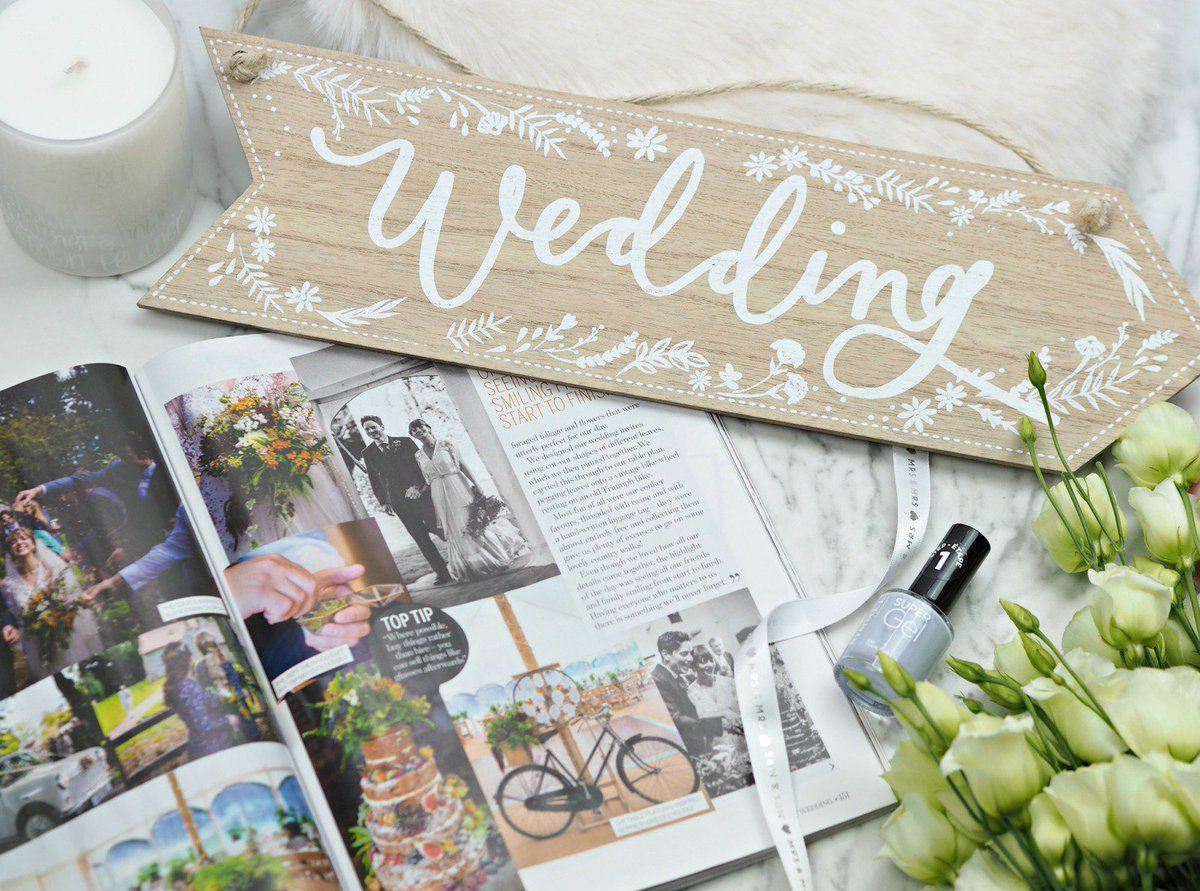 Easy Ways To Save Money On Your #Wedding (No DIY required)  http://www. londonbeautyqueen.com/2017/05/easy-w ays-to-save-money-on-your-wedding.html &nbsp; …  #weddinghour @FemaleBloggerRT<br>http://pic.twitter.com/d3Lr7ngERc