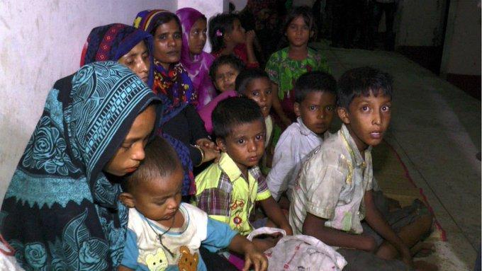 Bangladesh : 300.000 personnes évacuées avant le passage d'un cyclone https://t.co/7F7WqZBiR4