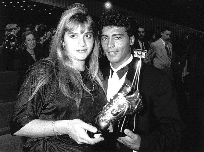 In 1990 #Romário received the Golden Boot. Beside him Monica Santoro.  #Netherlands #PSVEindhoven #Brazil @RomarioOnze<br>http://pic.twitter.com/Q46TOpdani