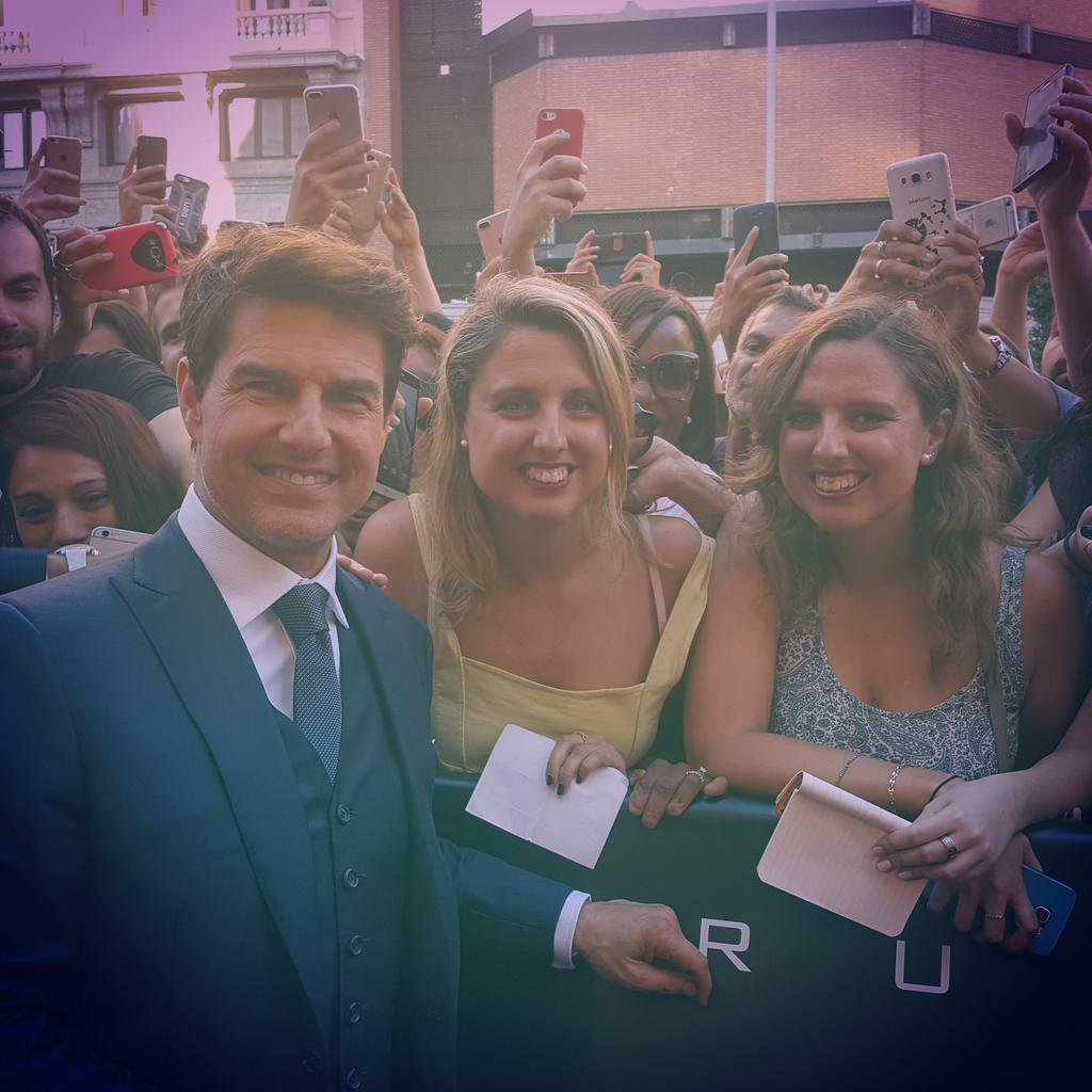 Hi @TomCruise !Nice to meet you in @callaocitylight #Madrid .U R the nicest person on . And yes,we are twins  #TheMummy #LaMomia<br>http://pic.twitter.com/lvSrscZZsW