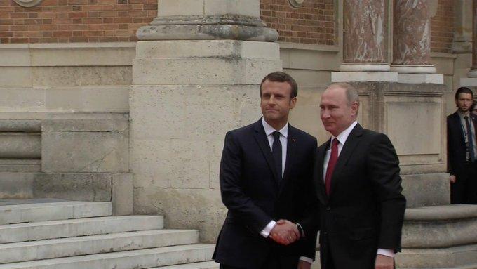 Mis en cause, le site Sputnik assure que le Kremlin s'oppose aux accusations du président français https://t.co/A0z8pAvxxw