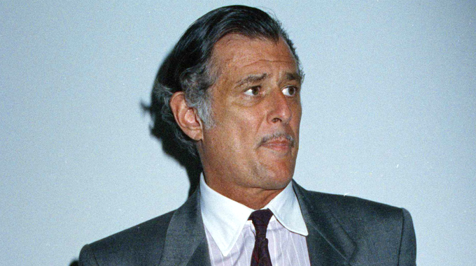 Bryant Gumbel reacts to Frank Deford's death: 'His loss is immeasurable.' https://t.co/45IYkmCg7N