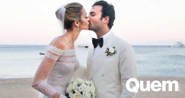 Top Ana Beatriz Barros será mamãe pela 1ª vez e mostra barriguinha: 'Não podia estar mais feliz' https://t.co/mJAUVXFRgC