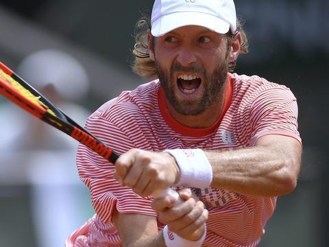 #Rediff Roland-Garros: Stéphane Robert a bien kiffé la poussée du central au troisième set https://t.co/uSU6vLJrwf