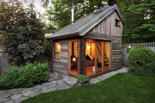 The #reclaimed #wood exterior of this home has a rustic feel.   http:// cpix.me/a/24980400  &nbsp;  <br>http://pic.twitter.com/loluaW5Unn