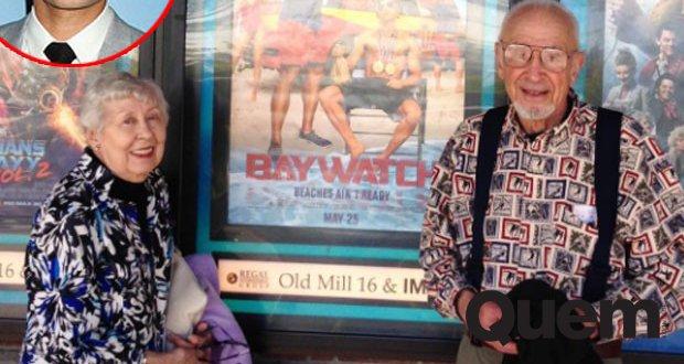 Zac Efron se 'derrete' ao ver foto de avós assistindo 'Baywatch' no cinema https://t.co/Vr7cP313uo