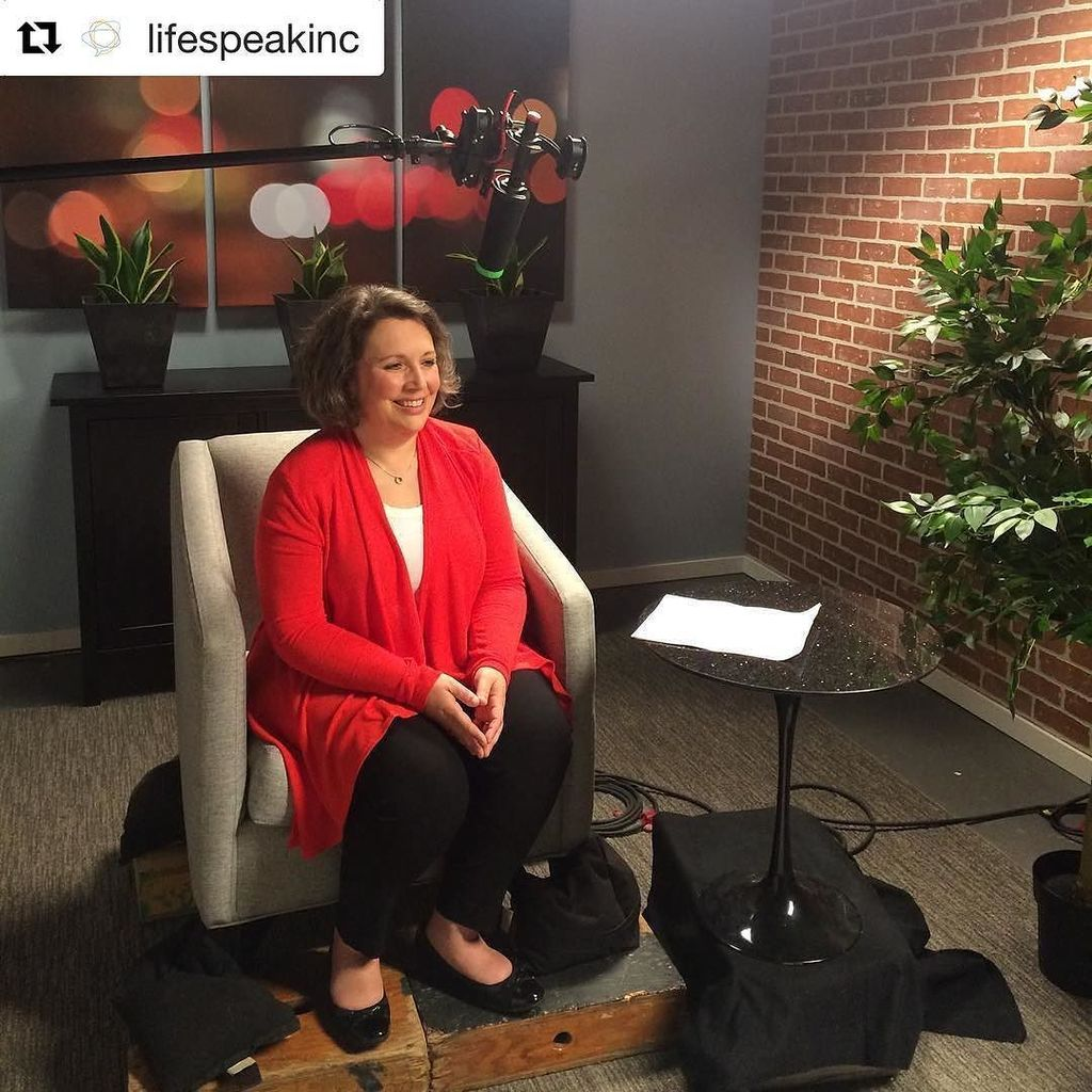 Julie is speaking with #Lifespeak today! #Repost @lifespeakinc (@get_repost) #parentingspeaker #parentingtips #par…  http:// ift.tt/2qvH5z0  &nbsp;  <br>http://pic.twitter.com/8Wys2o2sAe