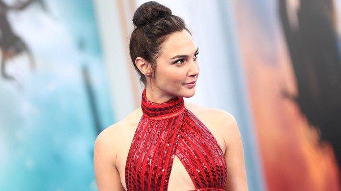 Relive the #WonderWoman world premiere red carpet: https://t.co/l62UOJNFxl