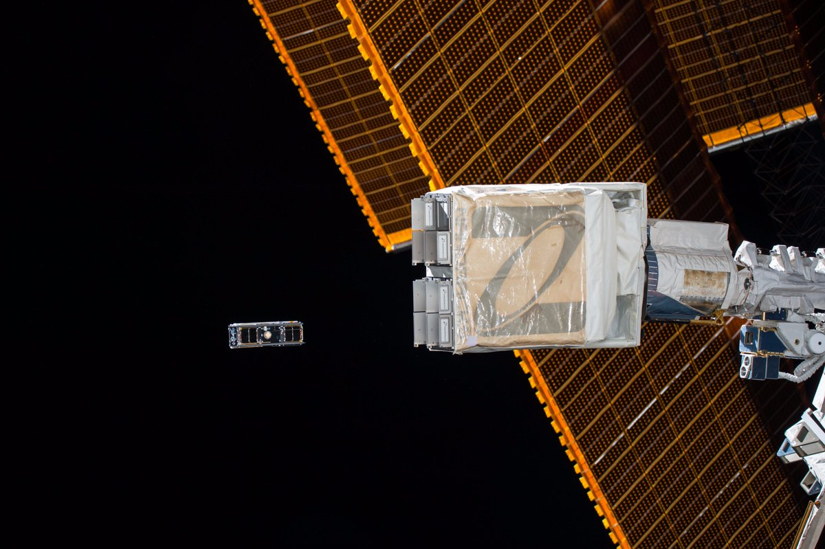 Click this image to get an up-close look at a cubesat being deployed from @Space_Station. See more #science:  https:// go.nasa.gov/2rdTJEi  &nbsp;  <br>http://pic.twitter.com/5j4yBmqCdN