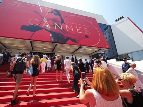 Festival de Cannes: «Mou», «confus», «The Square» n'a pas franchement convaincu les Cannois https://t.co/1qJ1hK2ckF