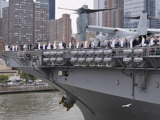 Navy SEAL dies after parachute fails to open at Fleet Week demonstration https://t.co/CWDgJxxtRO