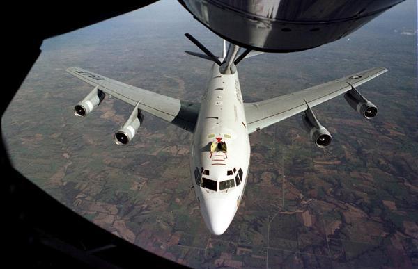 中国軍機、米軍機の真上で「背面飛行」…一触即発の異常接近に「クレイジー」と怒り心頭の米軍 https://t.co/JnGxOY85CR #中国 #米国