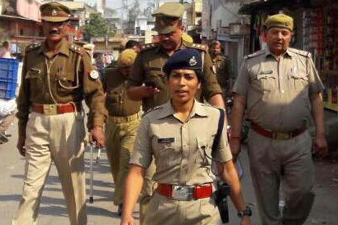 After reducing woman IPS officer to tears, UP #BJP #MLA does it again!  http://www. financialexpress.com/india-news/aft er-reducing-woman-ips-officer-to-tears-up-bjp-mla-does-it-again/692236/ &nbsp; … <br>http://pic.twitter.com/BgK7gumcO7