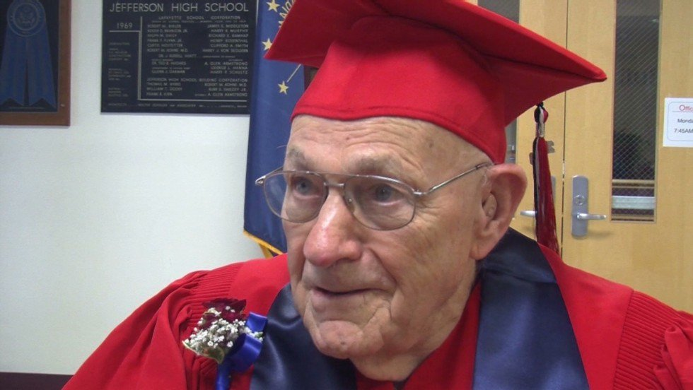 Man who left high school early to join the US Navy in World War II gets his diploma after 71 years https://t.co/pYR8EQj7X8