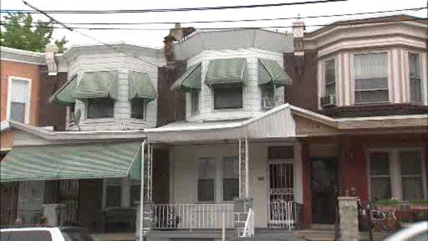 Police investigate Southwest Philadelphia home invasion https://t.co/DAGzAGcYgX