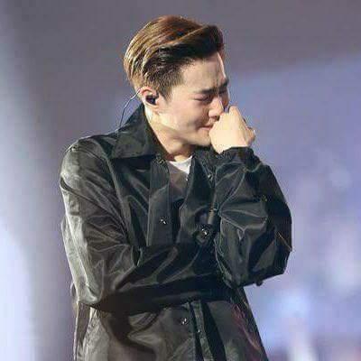 Suho please notice me   #EXO #Suho #EXOforVMAs @MTV @vmas<br>http://pic.twitter.com/R9El31wJwr