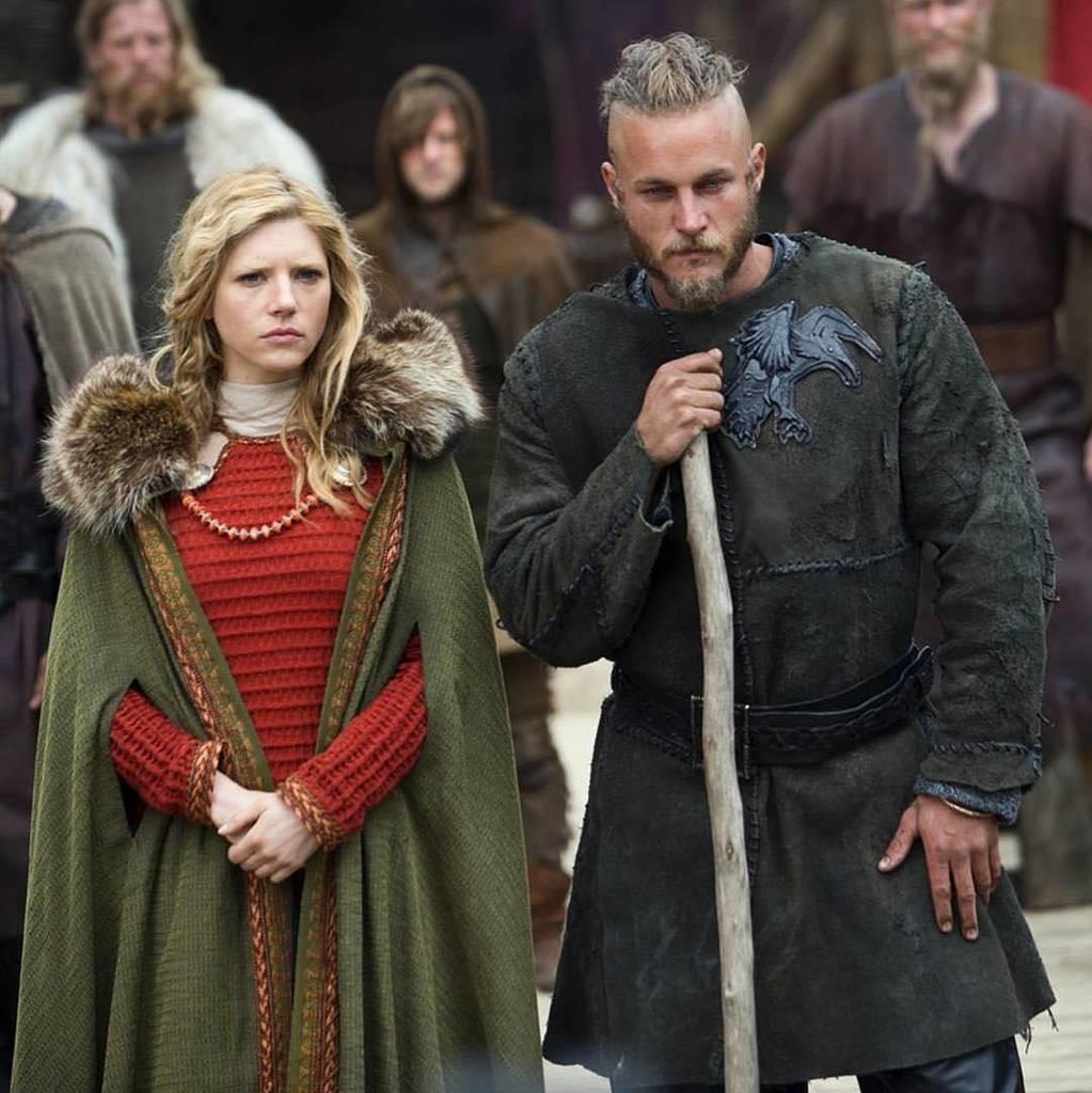 Queen and King  #ragnar #ragnarlothbrok #lothbrok #love #lagertha #historyvikings #historychannel #kingragnar #que…  http:// ift.tt/2qtTPdC  &nbsp;  <br>http://pic.twitter.com/TfNN7t2QLA