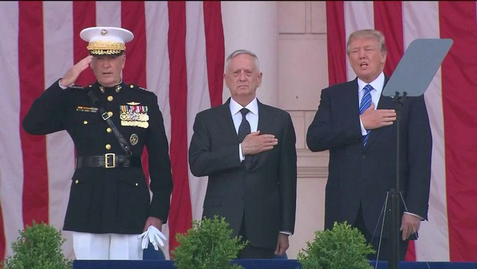 Trump sings along to national anthem at Memorial Day ceremony and Twitter goes crazy https://t.co/VzVYqwLyzL