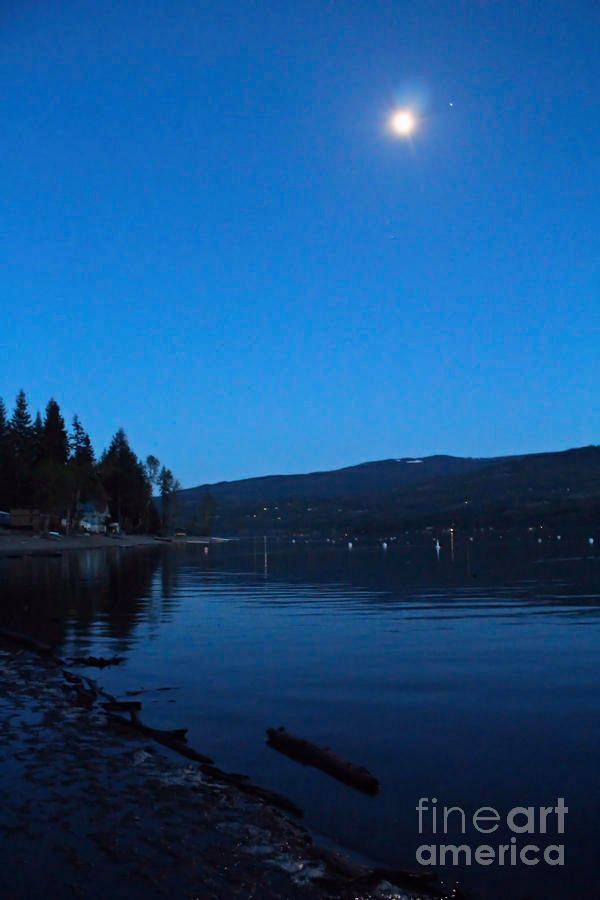 The Moon And Venus by Victor K  http:// buff.ly/2s8rDdm  &nbsp;   #Moody #landscape  #fineart #romantic #moon #moonlight over #Lake #star #Venus<br>http://pic.twitter.com/unqiLJsk5g