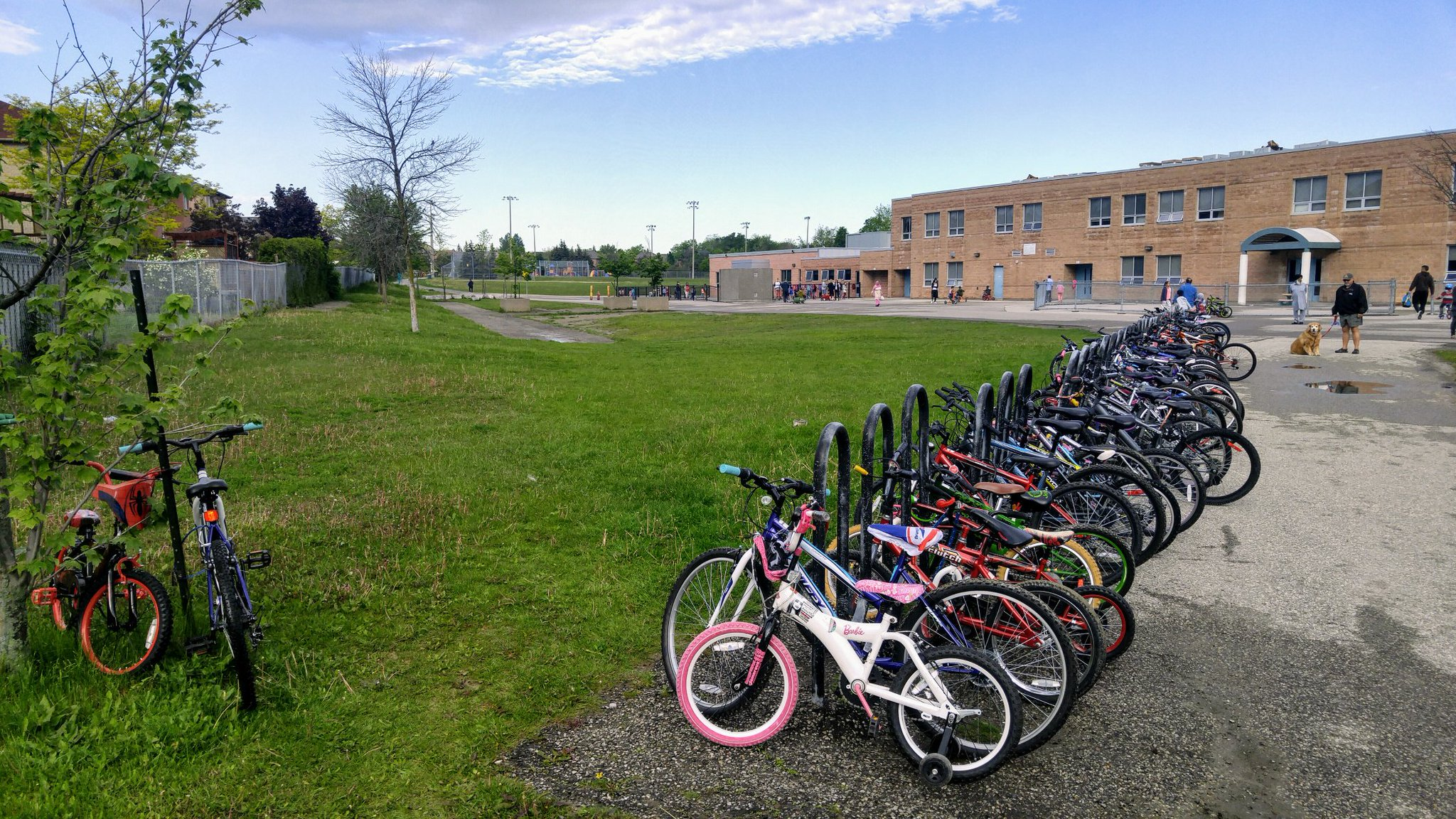 105 bikes today @rjlee_ps for #biketoschoolweek . Can you beat last year's record of 130? 3 more days to try. More prizes. Great job. https://t.co/OKtnjPRfJ7
