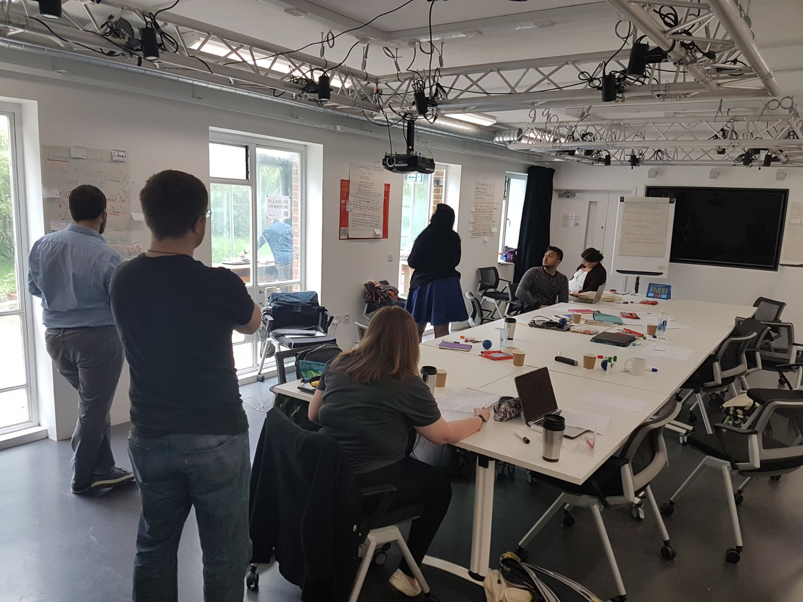 #hivebooksprint We havd started our Book Sprint and it's getting more and more exciting as we go!  @sussexlibrary @SAGE_News @booksprint https://t.co/WDmZAQiZkI