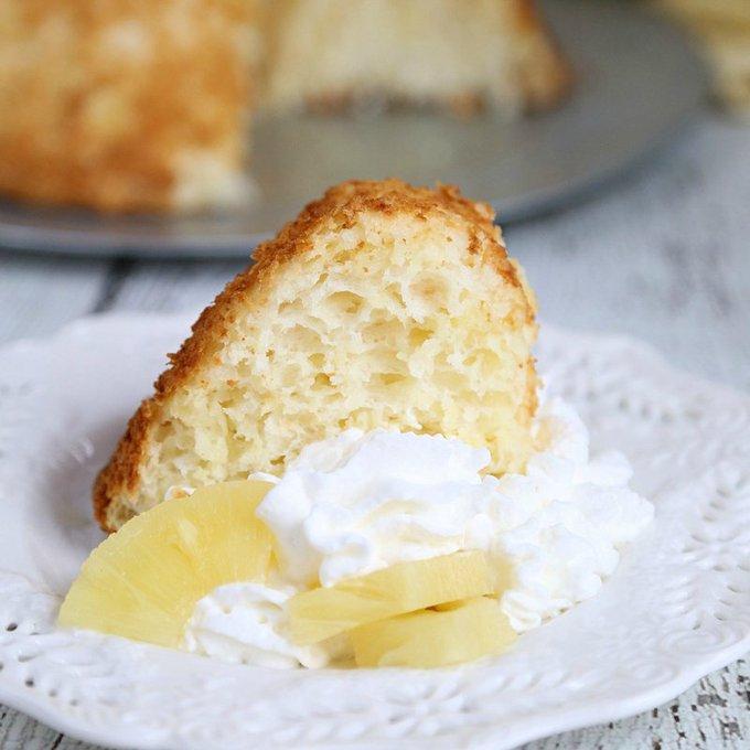 Crushed Pineapple Dump Cake Recipe: Two Ingredient Wonder!
