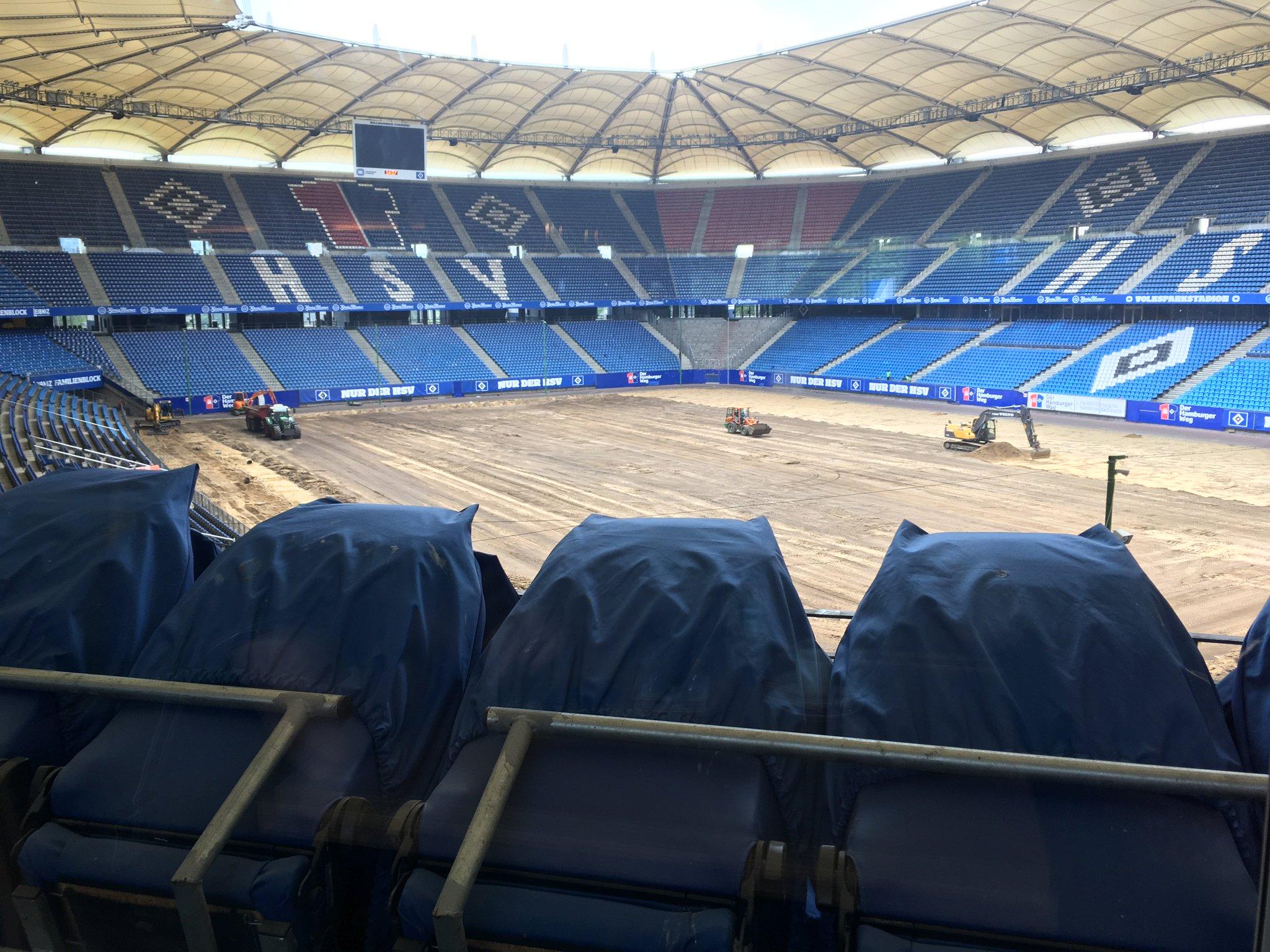Wir sind in Hamburg. Aber nicht zum Fußball #meurers https://t.co/Ky8a6keg0r
