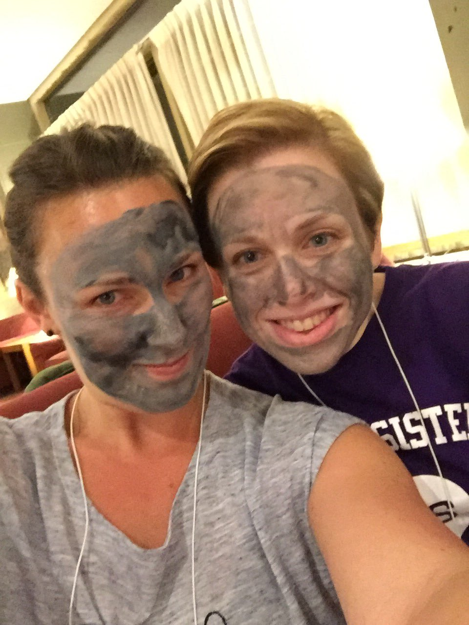 I had so much fun giving Mary Kay facials at #MHCreunion this weekend! It was like a giant slumber party 😆@aamhc @mtholyoke https://t.co/o7RlwRfQNO
