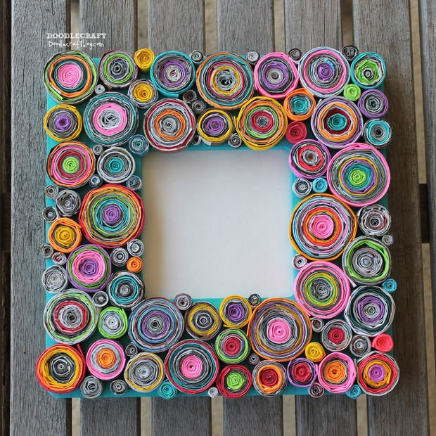 Make a pretty frame from rolled paper -->
