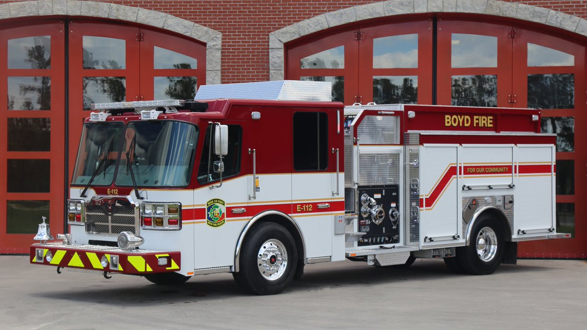 Ferrarafirearatus On Twitter Awesome Red Over White Paint Job This Custom Pumper For Wise County Esd 1 Out Of Boyd Texas Firetruck Firefighter