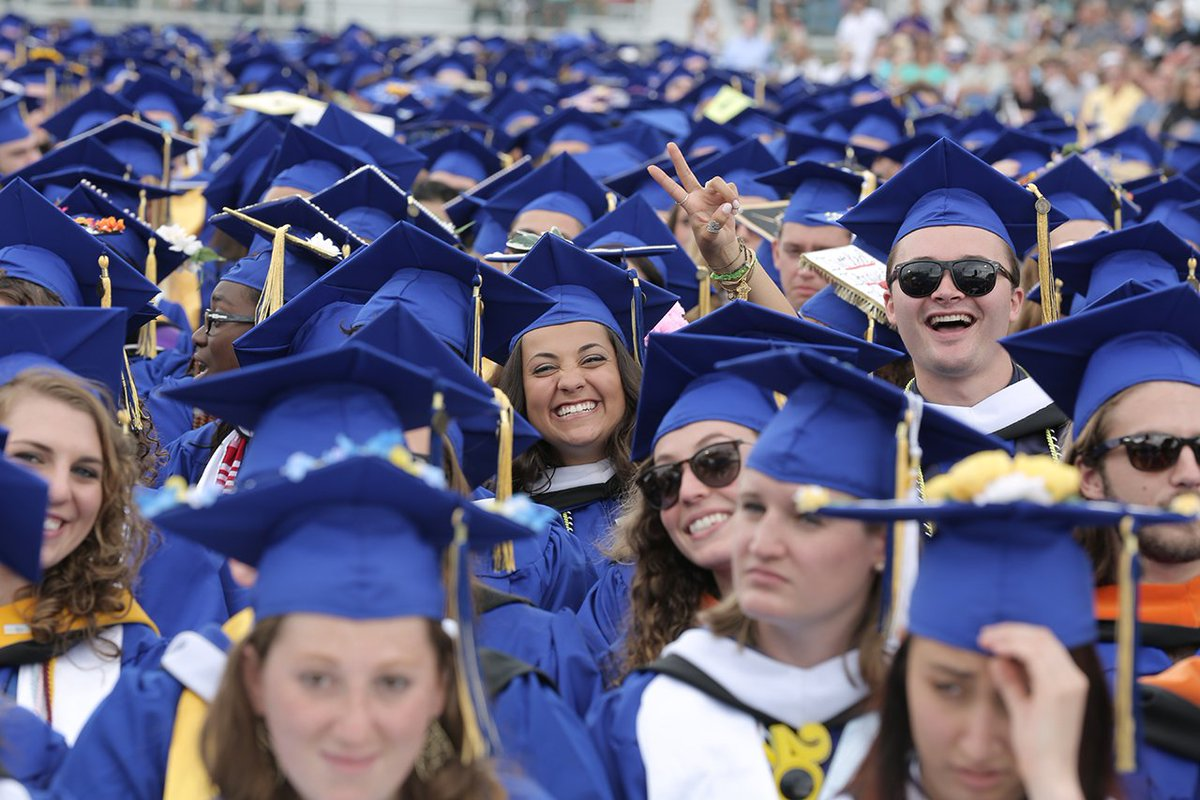 PHOTO gallery of #UDGrad2017 ow.ly/TuUi30c9tAD #BlueHensForever
