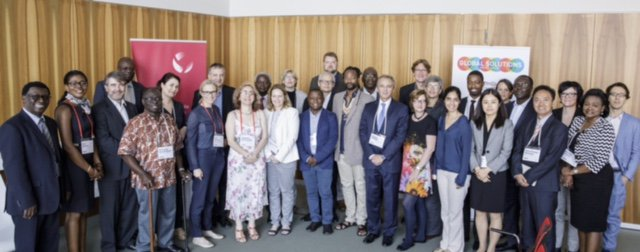 2nd meeting of #AfricaStandingGroup at #T20Germany discussing joint agenda. Initiative by @kielinstitute @SAIIA_info @DIE_GDI Photo: @toko https://t.co/xWRnBhn4eu