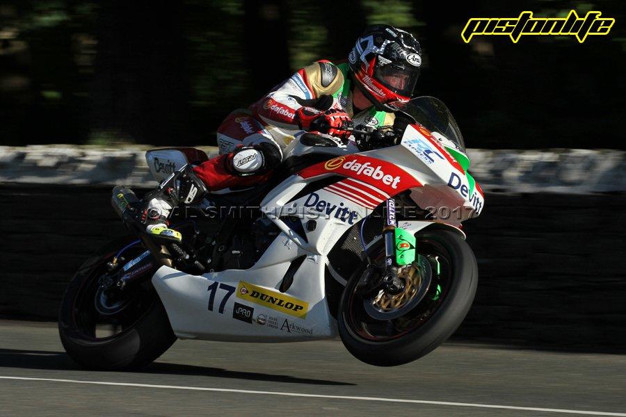 [Road Racing] TT 2017 - Page 6 DBG9L1vXYAAWyDu
