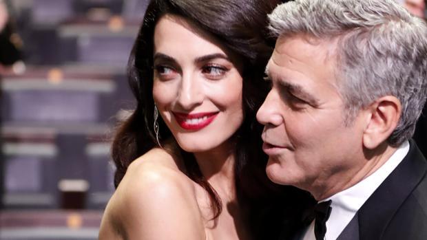 George Clooney vicino alla moglie Amal per la nascita dei gemelli