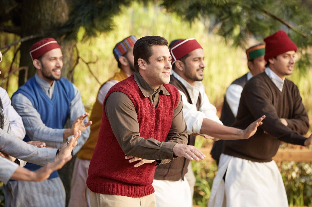 #NaachMeriJaan out tomorrow at 4 PM on @sonymusicindia  @BeingSalmanKhan @SohailKhan @ipritamofficial