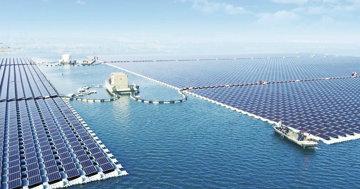 The world's largest floating solar power plant just went online in China https://t.co/wG7fwEXURS https://t.co/AnJFogAvwu