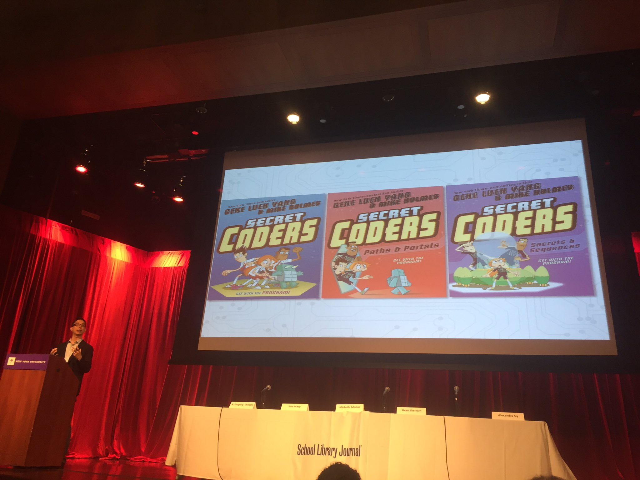 Love the #secretcoders by @geneluenyang! #booklove @bristowllc #SLJDOD17 @sljournal https://t.co/vdg5OXO2ru