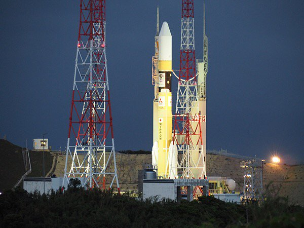 みちびき2号/H-IIAロケット34号機の打ち上げは、予定通り6月1日(木)午前9時17分46秒に行われる予定です。機体は本日19時25分に射点への移動が完了しました。 https://t.co/36Ey3ucnZh