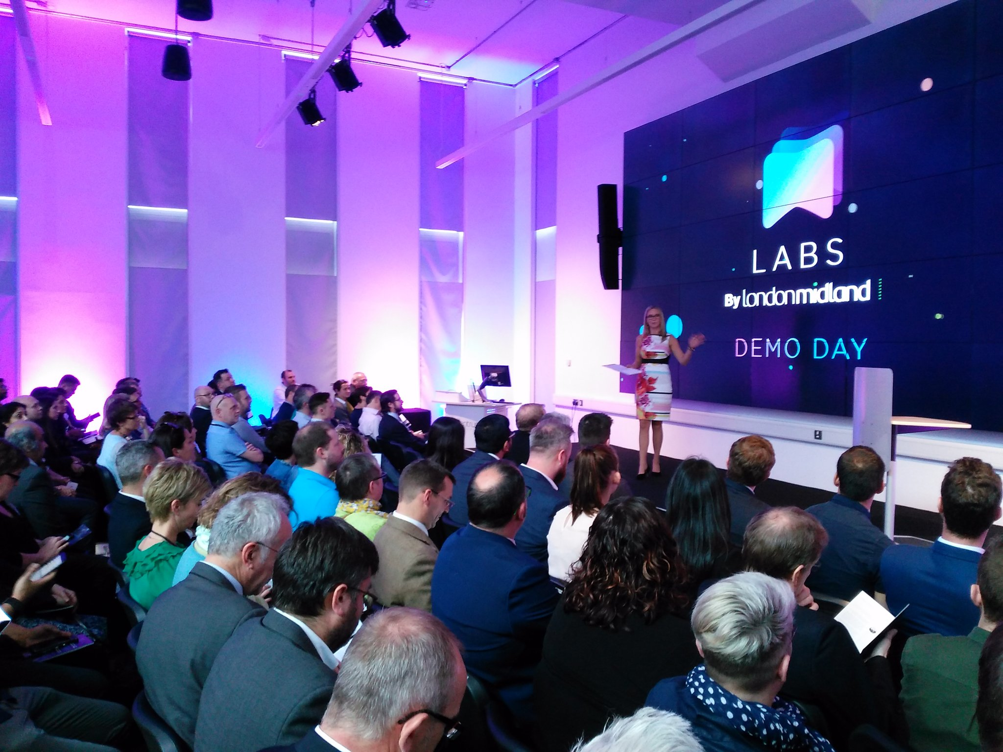 Getting @LM_Labs Demo Day underway is @katerussell #lmlabsdemo Looking for #communityrail ideas @creativesab @ACoRPOffice https://t.co/SW2fSIlMHP