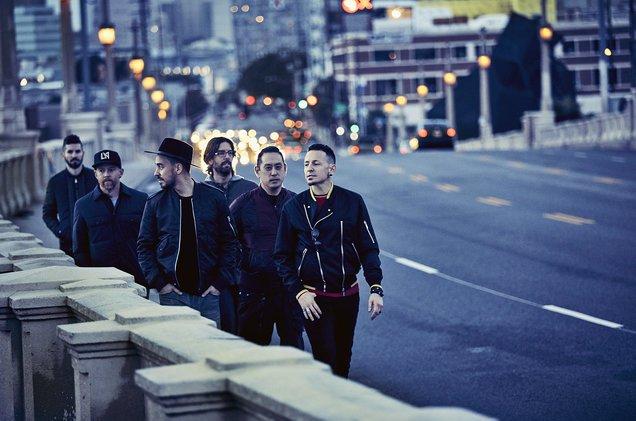 .@LinkinPark leaps from 50 to No. 1 on the Billboard Artist 100 chart https://t.co/XJ6PFmaZ8v https://t.co/ePU2jmMdVW