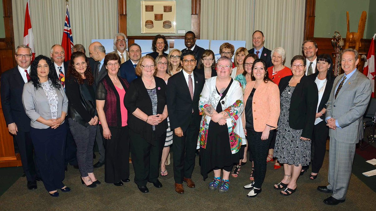 AG Naqvi & MPPs honour 2017 #Ontario #VictimServicesAwards of Dist...