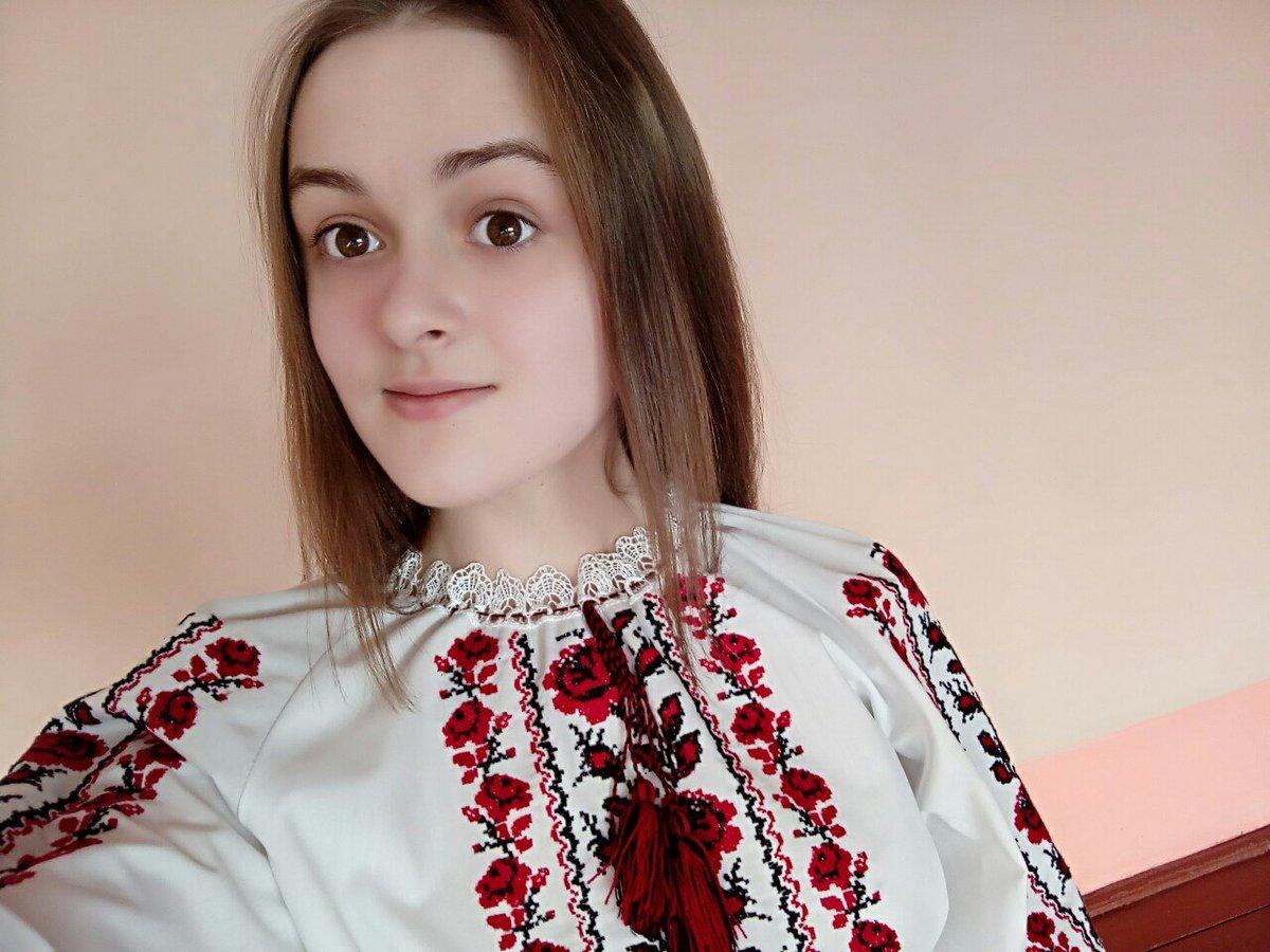 Украинка сосёт член, Хохлушка сосет член -видео. Смотреть Хохлушка 14 фотография