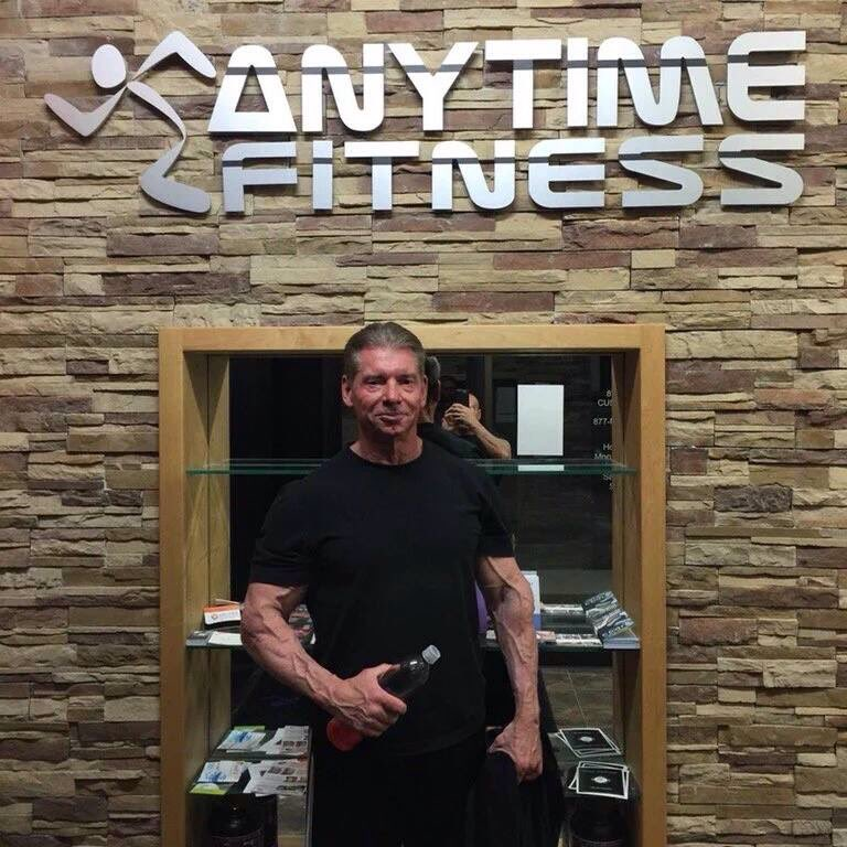 The Boss Vince McMahon hits the gym.   #WWE #RAW #SDLive https://t.co/iTM3XR1EUc
