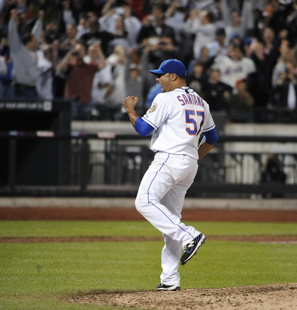 f3e1aa930c2 5 years ago today, Johan Santana threw the 1st no-hitter in @Mets history  (134 pitches). He made just 10 starts the rest of his  career.pic.twitter.com/ ...