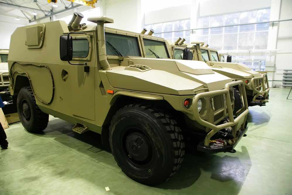 الجزائر تطلب صواريخ Kornet-EM محموله على شاسيه عربه Tiger  DBO29f1XoAEunwN