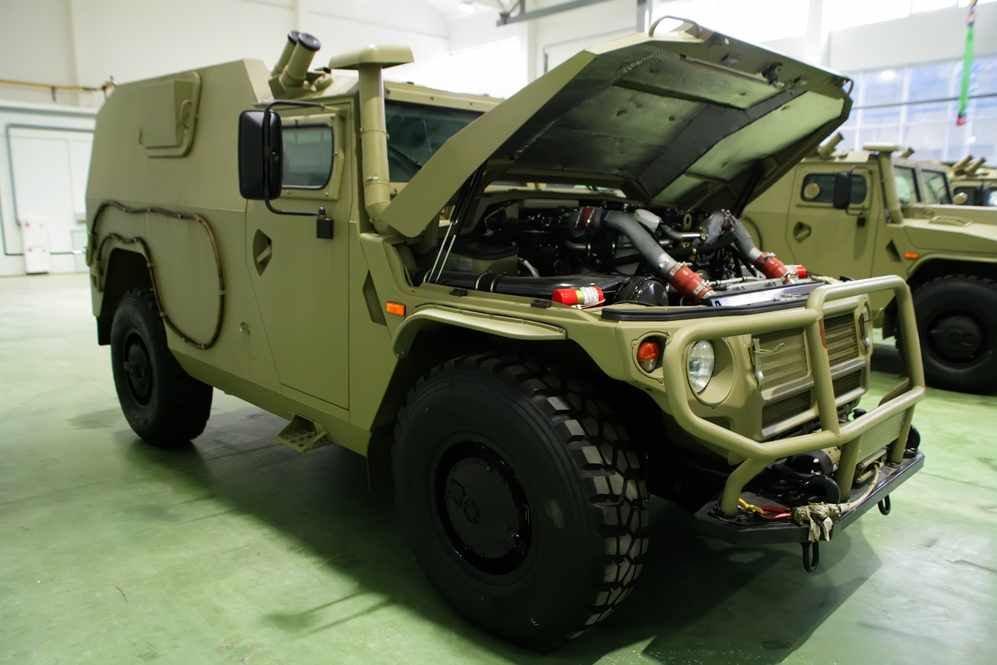 الجزائر تطلب صواريخ Kornet-EM محموله على شاسيه عربه Tiger  DBO_BEQXkAAi6ew