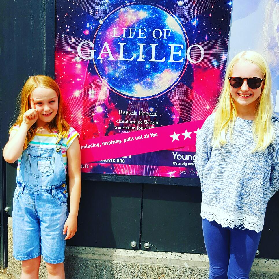 @youngvictheatre #LifeofGalileo Can you keep an 8yr old rapt through 3 hours of Brecht? Yes, with #brendancowell & Chemical Brothers!!!! https://t.co/CnsuzX6iUa