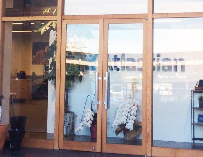 アトラシアン様オフィス玄関